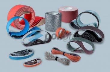 Cintas e Rolos de Lixa. Diversos materiais e suportes, com possibilidade de adaptações por parte do cliente conforme a sua necessidade.