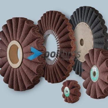 Discos Ondulados em Malha Abrasiva, da Polibras. Permite furos com diversos tamanhos e formas. Possibilidade de impregnação.