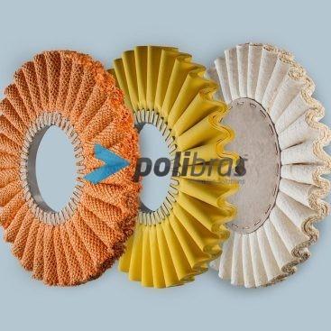 Discos ondulados em tela, sisal/tela ou sisal com grapa metálica. Diâmetro: 300mm - 500mm. Grapa Metálica: 80mm - 180mm. Polimentos.