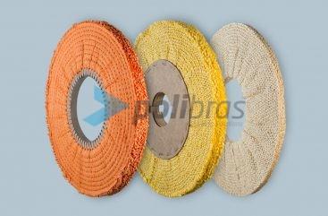 Discos Compactos ao Viés - da categoria Polimentos da Polibras. Em sisal ou sisal/tela, com grapa ou argola metálica. Permite diversos furos.