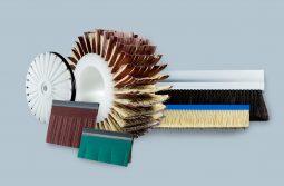 Escovas e Lâminas de Tampico e Lixa, e os seus suporte, com diversas conjugações possíveis, de acordo com a necessidade do cliente.